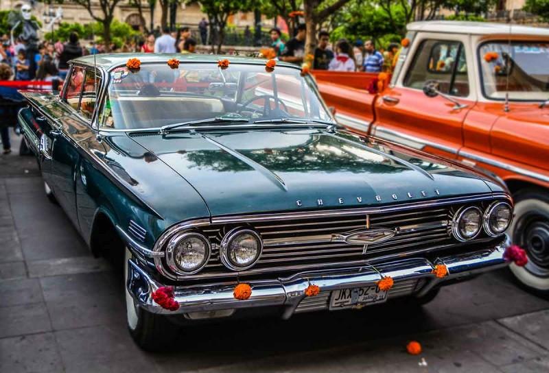 Авто, що їздять Гвадалахарою